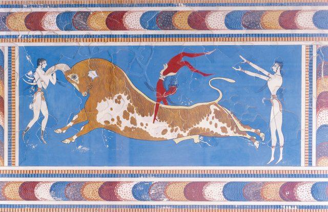 Ricostruzione affresco delle tauromachia creta cretese